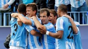 El Málaga mira de tú a tú al Valencia (1-0)